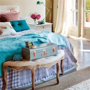 Yatak ucu dekorasyonu