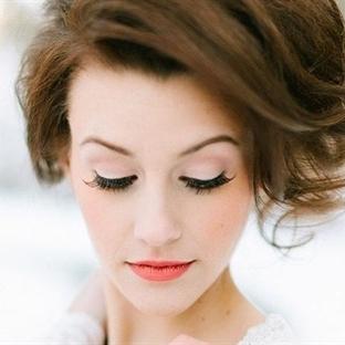 Yüzünüzü Aydınlatacak Makyaj Teknikleri