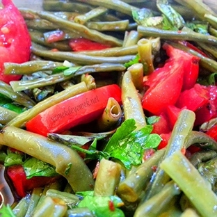 Balzamik Sirkeli Börülce Salatası