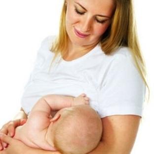 Bebeğin ilacı anne sütü!