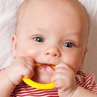 Bebeklerin diş sağlığı annede başlıyor