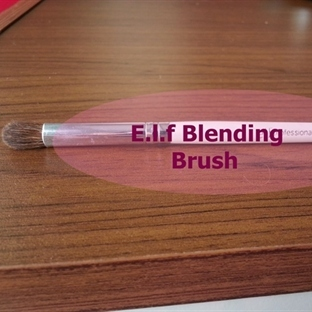 E.l.f Belnding Brush