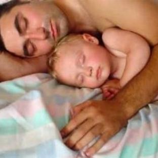 Emzirilen bir bebeğe babalık yapmak mümkün mü?