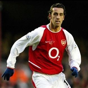 Eski Arsenal'li Milli Takım Yardımcısı Oldu