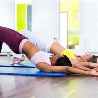 Fit Bir Göbek ve Güzel Bacaklar İçin Egzersizler