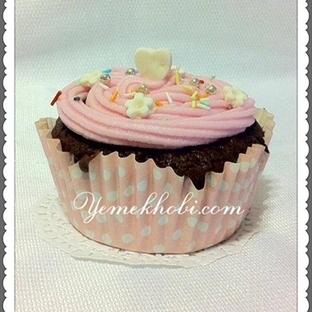 Frostingli fındıklı cupcake