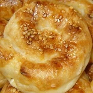 Garnitürlü Gül Böreği