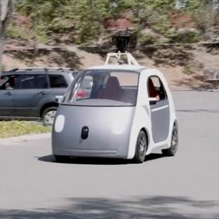 Google Sürücüsüz  Araba Üretti