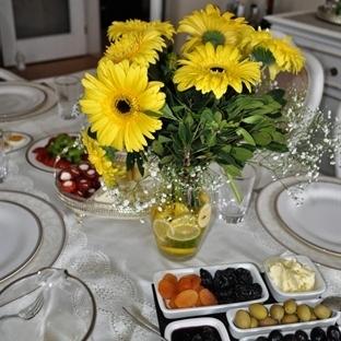 Güneş Sarısı Pazar Kahvaltısı