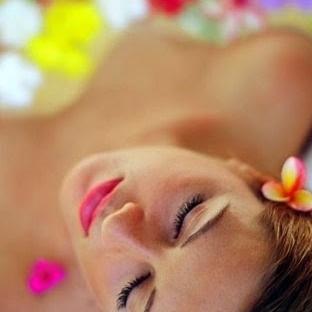 Hangi çiçek özleri cildinize tazelik verir?