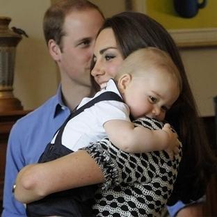 Küçük Prens George Ve İlk Kabul Töreni