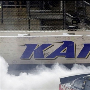 Nascar: Kansas'ta Zafer Gordon'un !!
