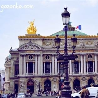 Paris'te Opera... Opera Garnier'deyiz...