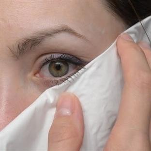 Peçete ile Eyeliner Sürme Yöntemi