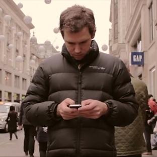 Popüler videolar:Akıllı telefonlar, aptal insanlar