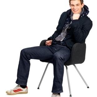 Sandalyede Ağa Gibi Yayılmayın!