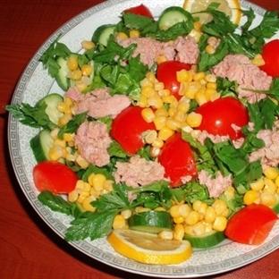 Tonbalığı Salatası Yapılışı