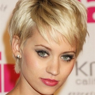 Yeni Moda Kısa Saç Kesim Modelleri