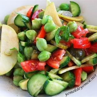 Yeşil Nohut Salatası