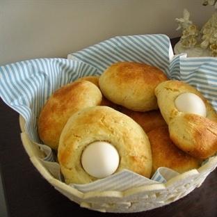 Yumurtası Üstünde Ekmekler