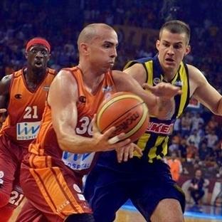 Abdi İpekçi'de kazanan Cimbom oldu:73-64
