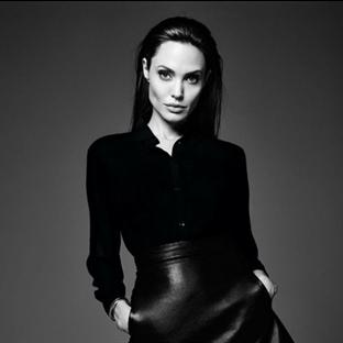 Angelina Jolie'nin En Etkileyici 10 Siyah Kıyafeti