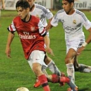 Arsenal'e Genç Yunan Elias Chatzitheodoridis