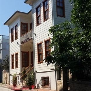 Büyükada'da Bir Gizli Bahçe: Ada Palas Butik Otel
