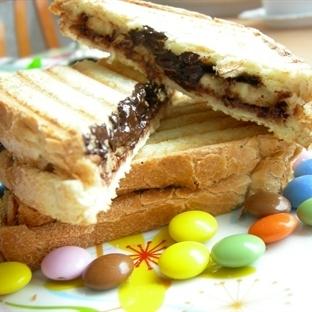 çikolatalı muzlu tost