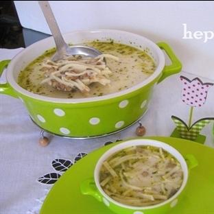 Erişteli- Yoğurtlu Yeşil Mercimek Çorbası