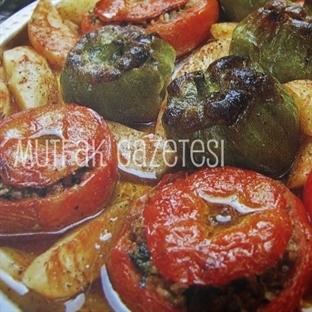 fırında etli biber-domates dolması nasıl yapılır