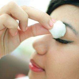 Göz Makyajı Nasıl Yapılır? – Resimli Anlatım