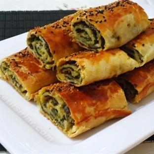 Hazır Yufkadan Ispanaklı Börek Tarifi