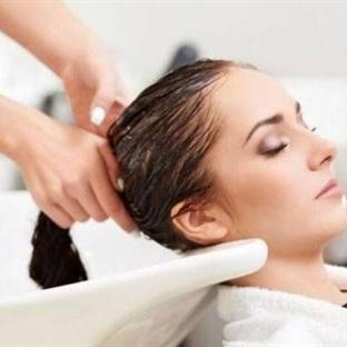 Her Gün Saç Yıkamak Zararlı mı?