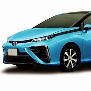 Hidrojenli Toyota Fuel Cell Sedan