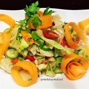 Karmakarışık Salata