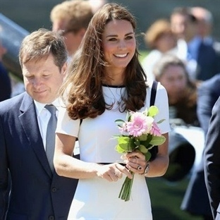 Kate Middleton: Jaeger Contrast Waistband Elbise