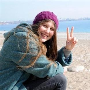 Kırmızı Fularlı Kızın Sayfası Hacklendi