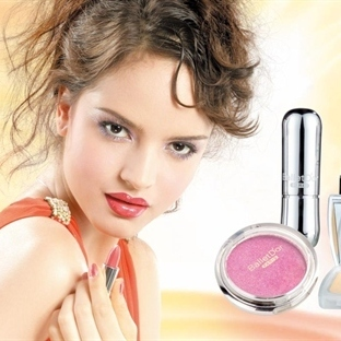 Kozmetik Ürün Alırken Etikete Aldanmayın!