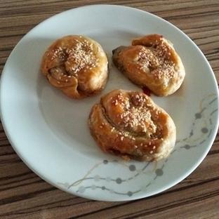 Milföyden Patlıcanlı Açma börek
