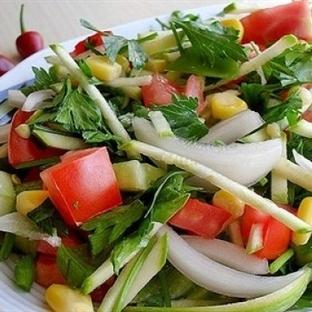 Nefis Hafif Yaz Salatası