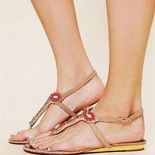 Parmak arası sandalet modelleri 2014