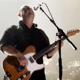 Pixies Türkiye'deki ilk konserini verdi