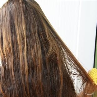 Saç dökülmesine karşı uygulanabilir doğal yöntemle