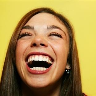 """""""Samimi Gülüşün"""" Sırrı Çözüldü"""