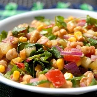 Tahıllı Akdeniz Salatası