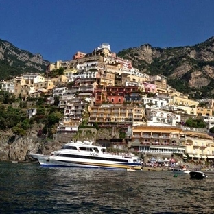 İtalya'nın Amalfi kıyılarında yaz tatili