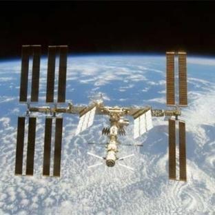 Uzay Gemisine Ateş Edilince Ne Olur?