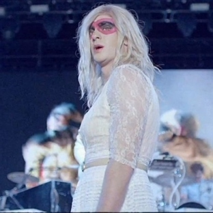 "Yeni Video: Arcade Fire ""We Exist"""