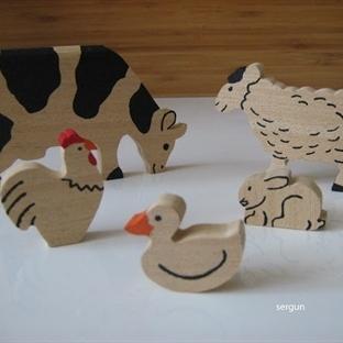 ahşap çiftlik hayvanları